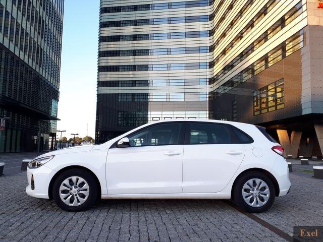 Wynajmij Hyundai i30 automat   Wypożyczalnia Samochodów Exel    - zdjęcie nr 2
