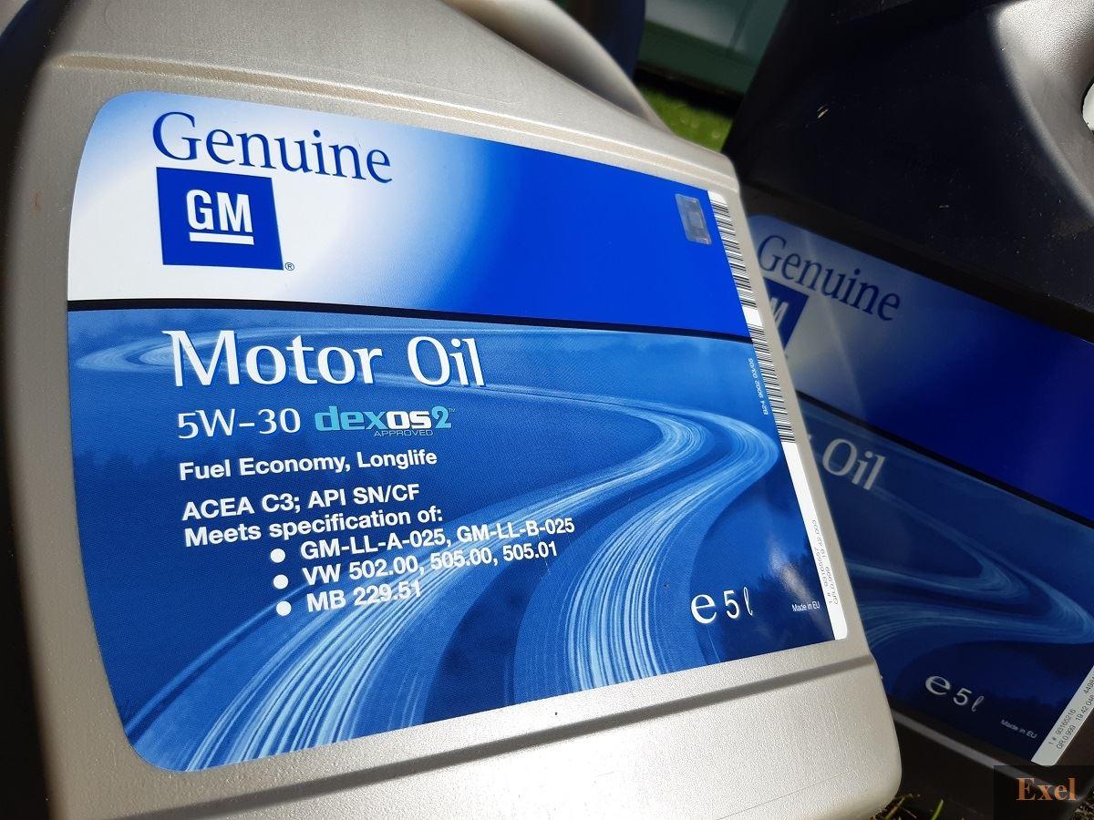 Olej silnikowy - wypożyczalnia samochodów Exel