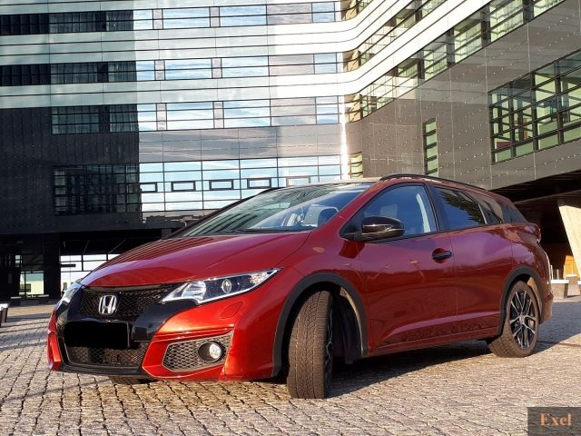 Wynajmij Hondę Civic (kombi z GPS) | Wypożyczalnia Samochodów Exel |   - zdjęcie nr 1